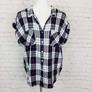 Urban Outfitterss Jachs Girlfriend Cutoff Flannel